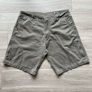 Kuhl casual shorts men's size 38 brown.